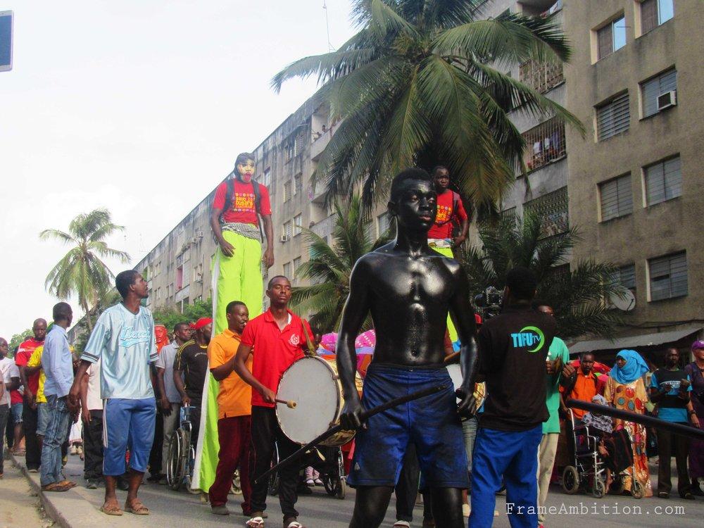 black_men-zanzibar_culture_parade