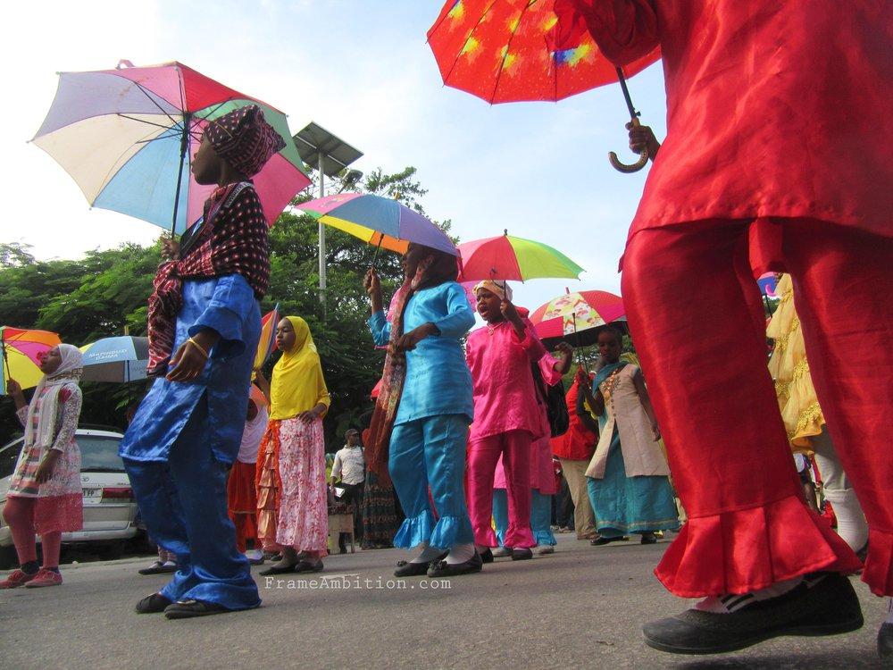 zanzibar_umbrella_dance