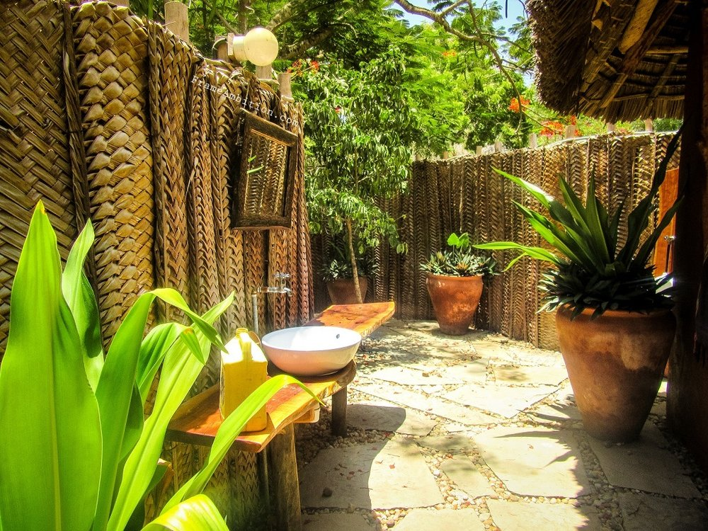 My private outdoor bathroom at  Distant Relatives EcoLodge  - Kilifi, Kenya