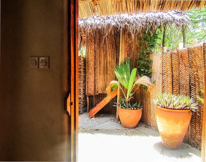 outdoor bathroom ecolodge