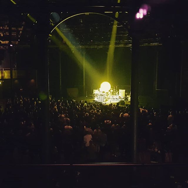 @lauraemisch with a big soundscape at the roundhouse this evening. So much depth from one person on stage!  #londonmusic