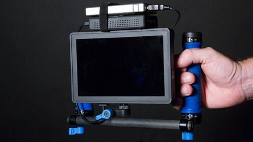 The rig feels great in your hands, and weighs 2.8lbs including batteries.