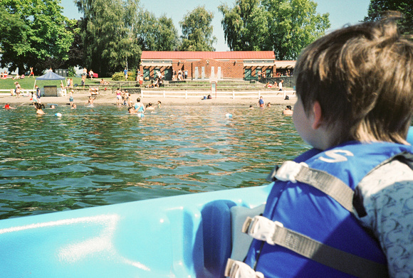 A Small Paddleboater at blue lake regional park