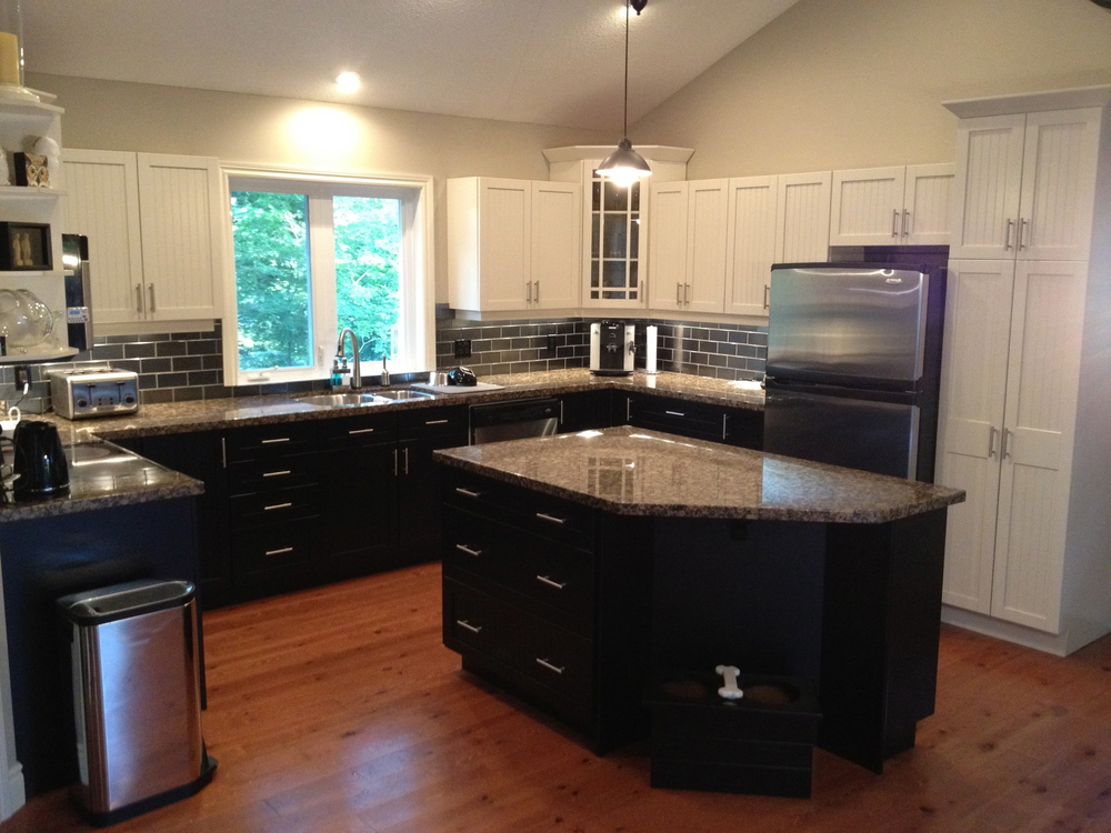 AFTER Black & White Kitchen.jpg