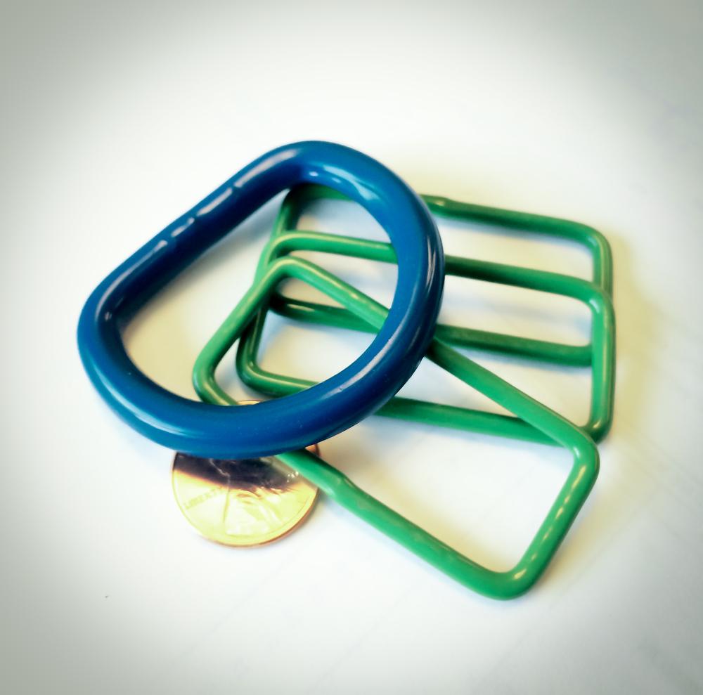minicoat-nylon- clips2.jpg