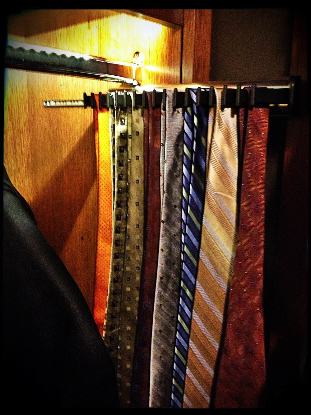 4 master closet.jpg