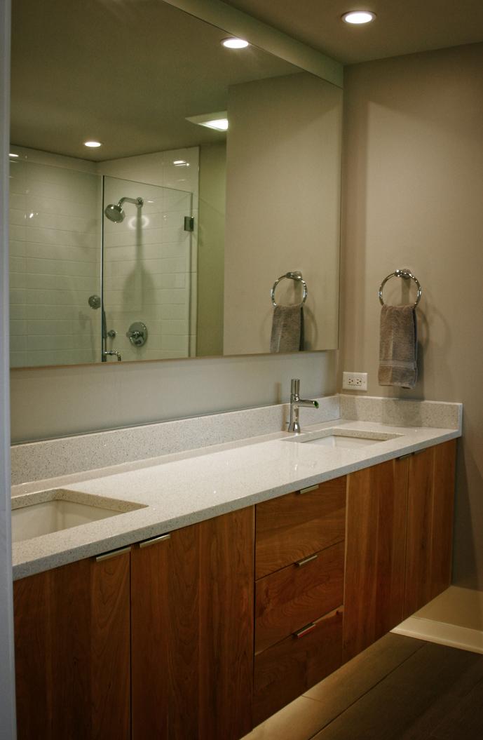 midmod-bath1.jpg