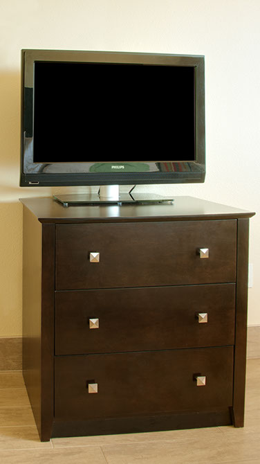 UJ-2702J 3-Drawer Chest