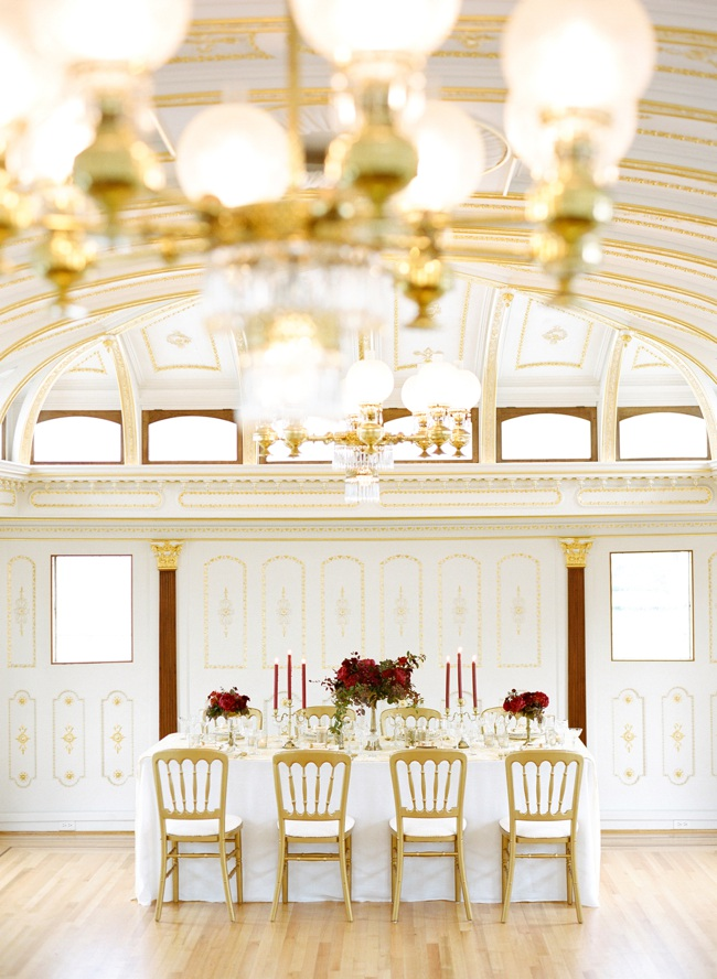 008-gold-china-cabin-wedding-ideas.jpg