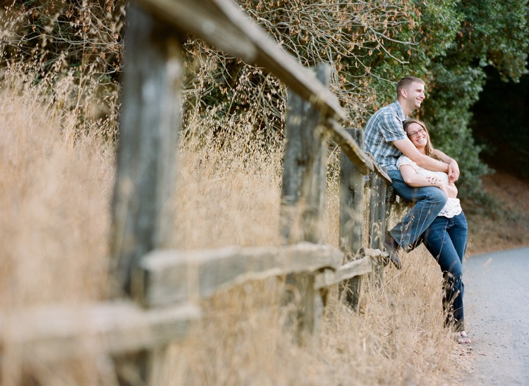 rustic-engagement-photos-16.jpg