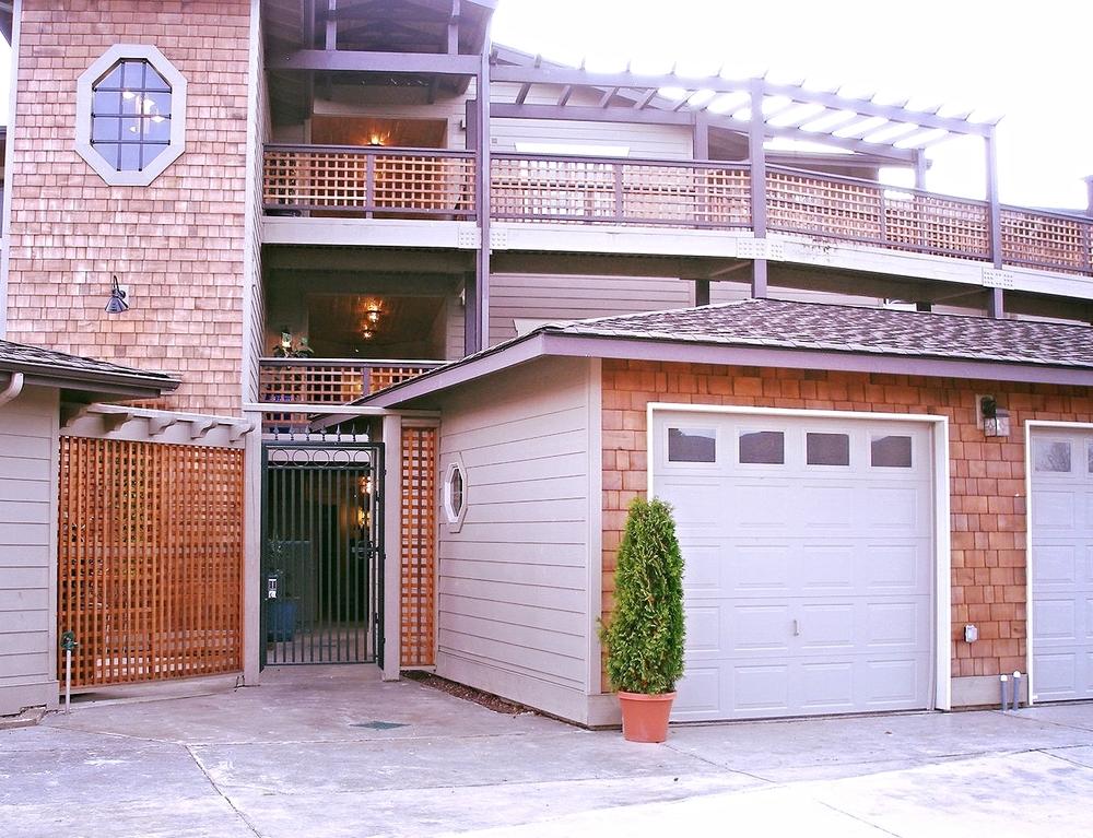 ss garage.JPG