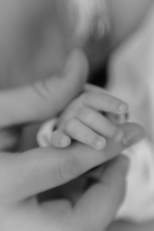 În palma mamei...