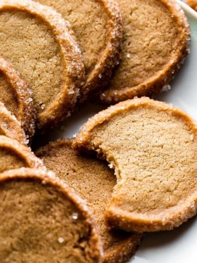 brown-sugar-shortbread-3-600x900.jpg
