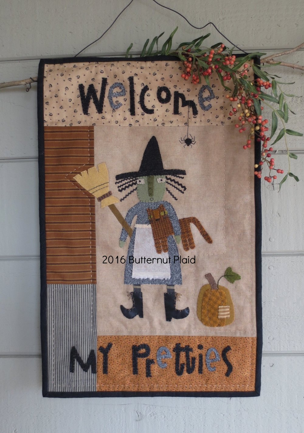 Welcome My Pretties Wall hanging by Butternut Plaid
