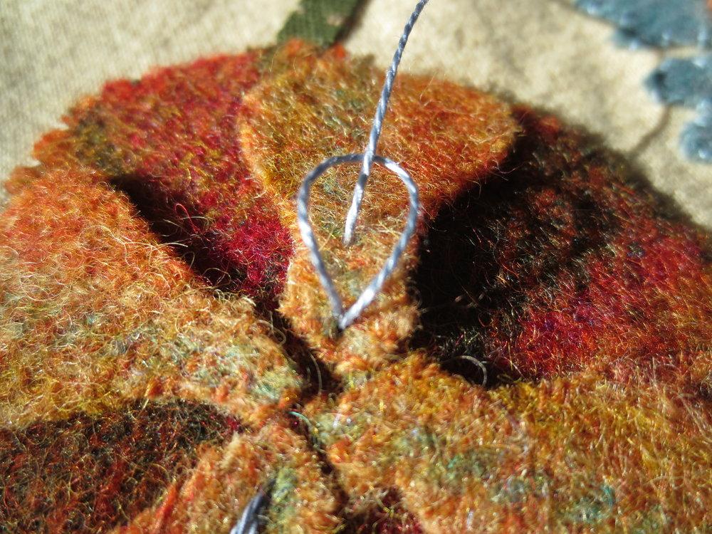 Chain stitch on flower D1.jpg