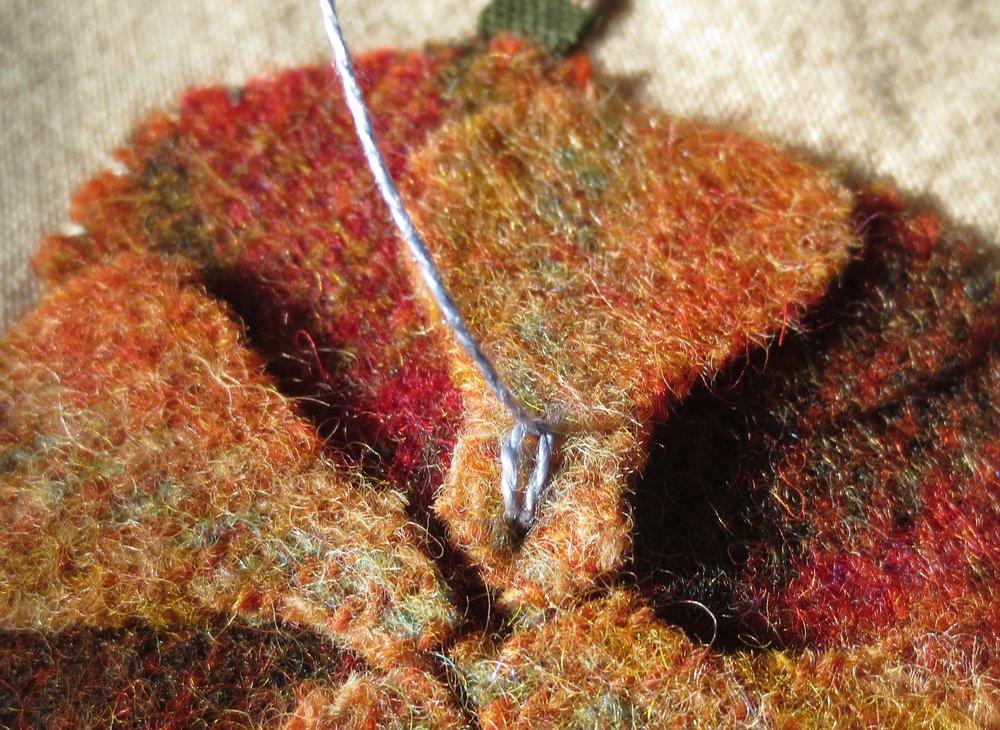 Chain stitch on flower D2.jpg