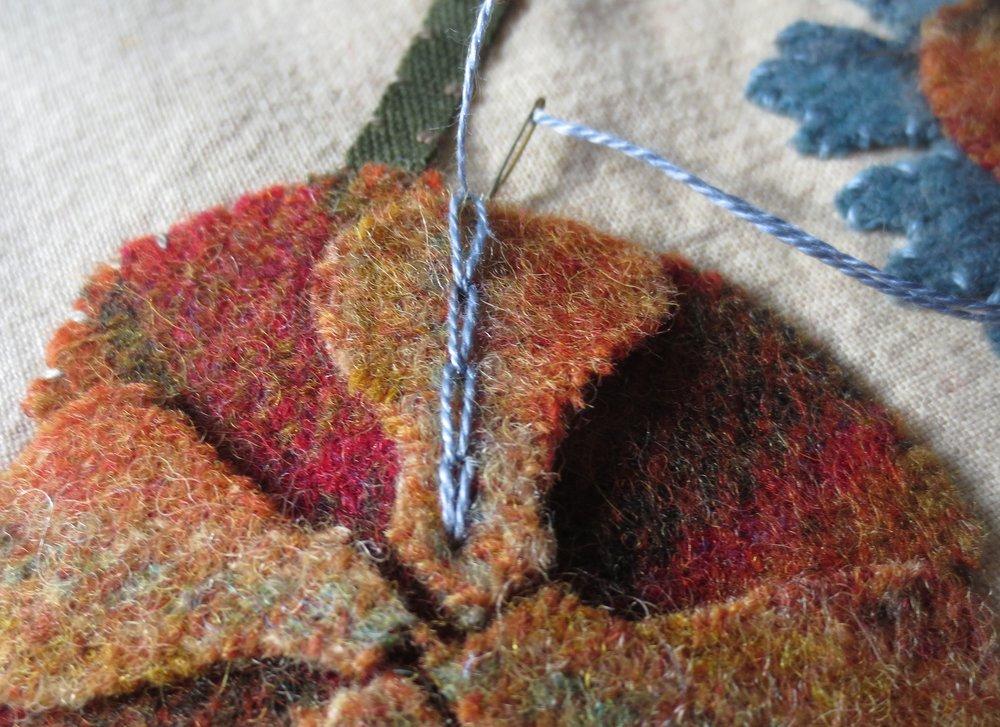 Chain stitch on flower D3.jpg