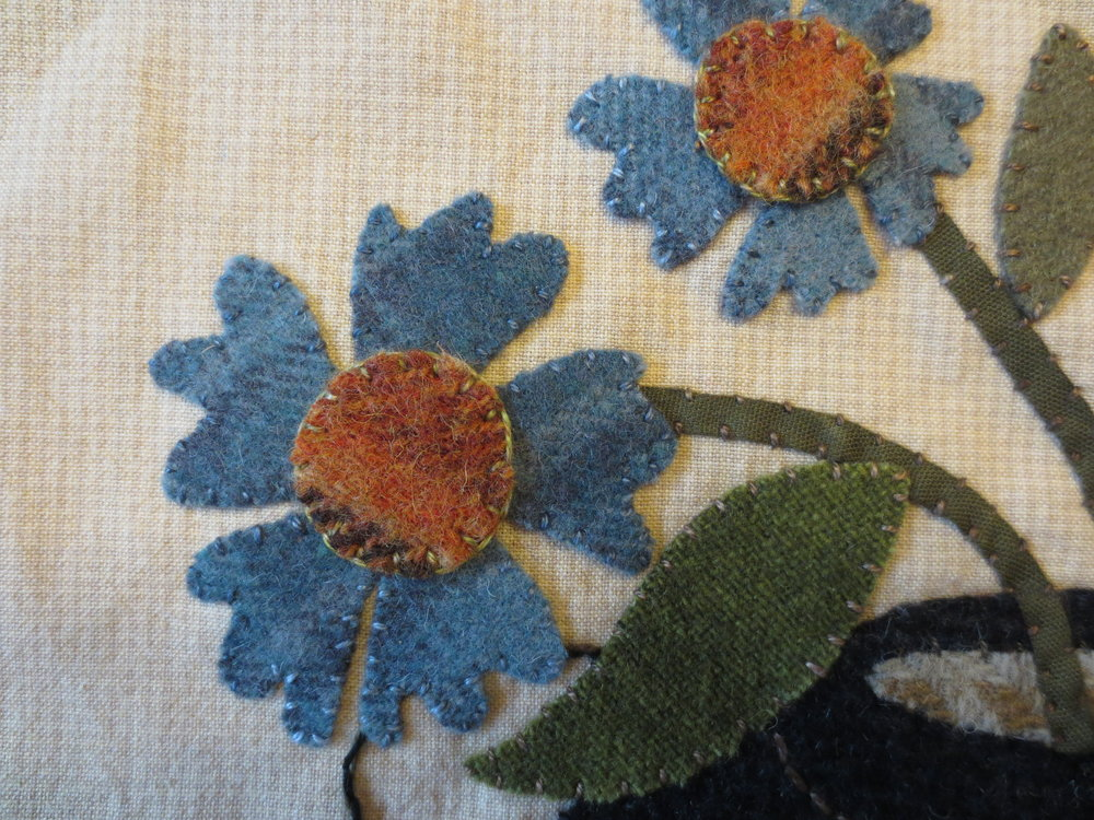 Blanket stitch on flowers 1and2.jpg