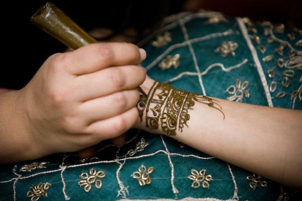 Academy-henna-gallery-01.jpg