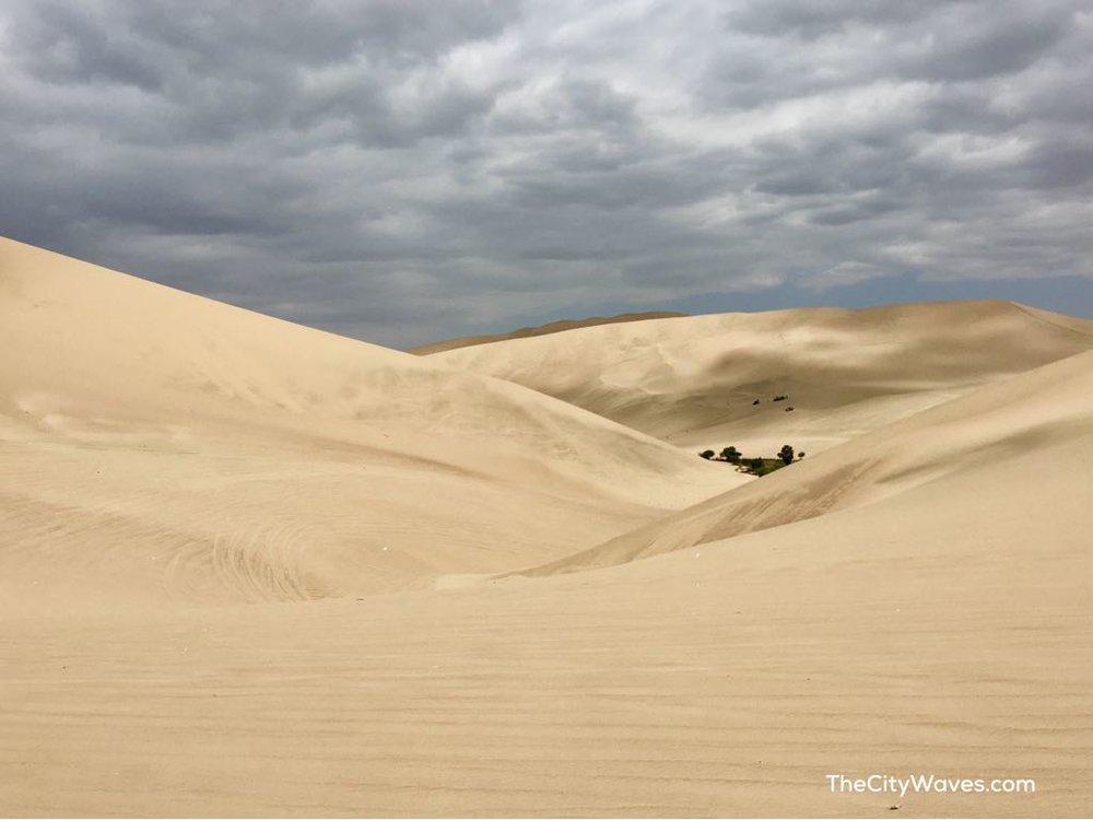 Huacachina Peru sand dunes.jpg