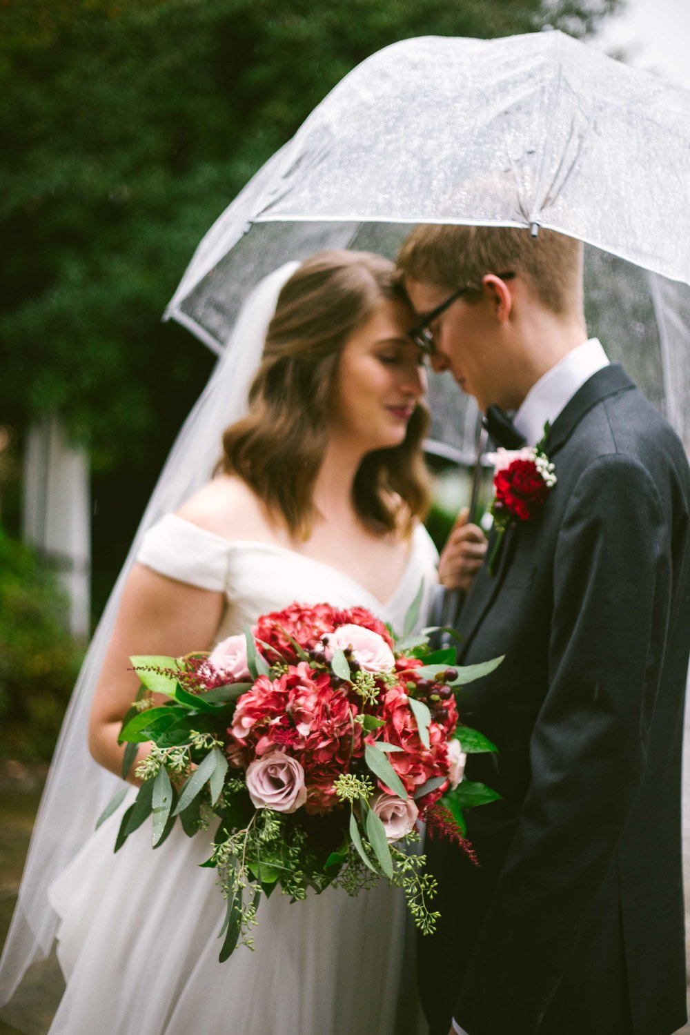 rainy-winter-wedding