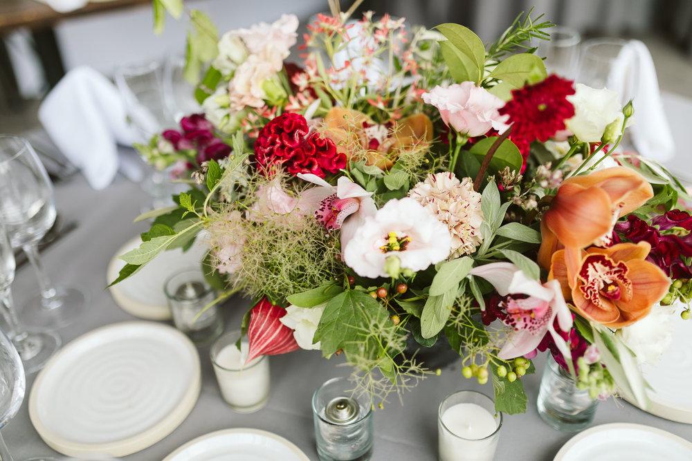 tropical-wedding-centerpieces.jpg
