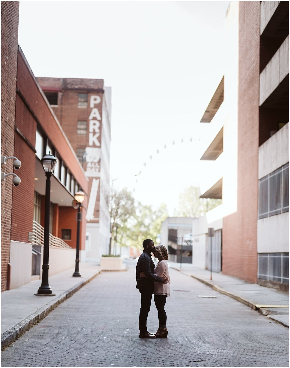 ferris wheel downtown atlanta engagement shoot