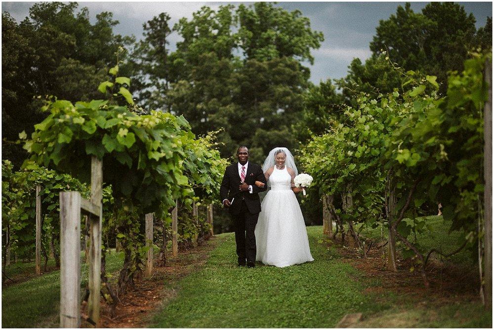 bride entering wedding at chateau elan