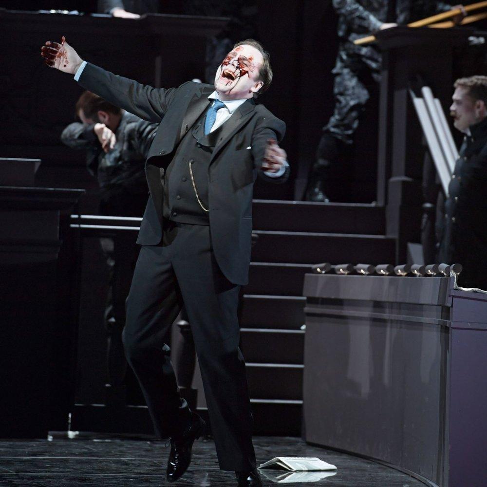 Peter Marsh (Oedipus) in Oedipus Rex, Oper Frankfurt, 2018. Photo: Barbara Aumüller.
