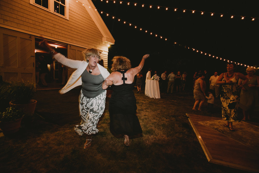 BLOCK_ISLAND_THE_CUSHAMAN_HOUSE__WEDDING_CHELLISE_MICHAEL_PHOTOGRAPHY656.JPG