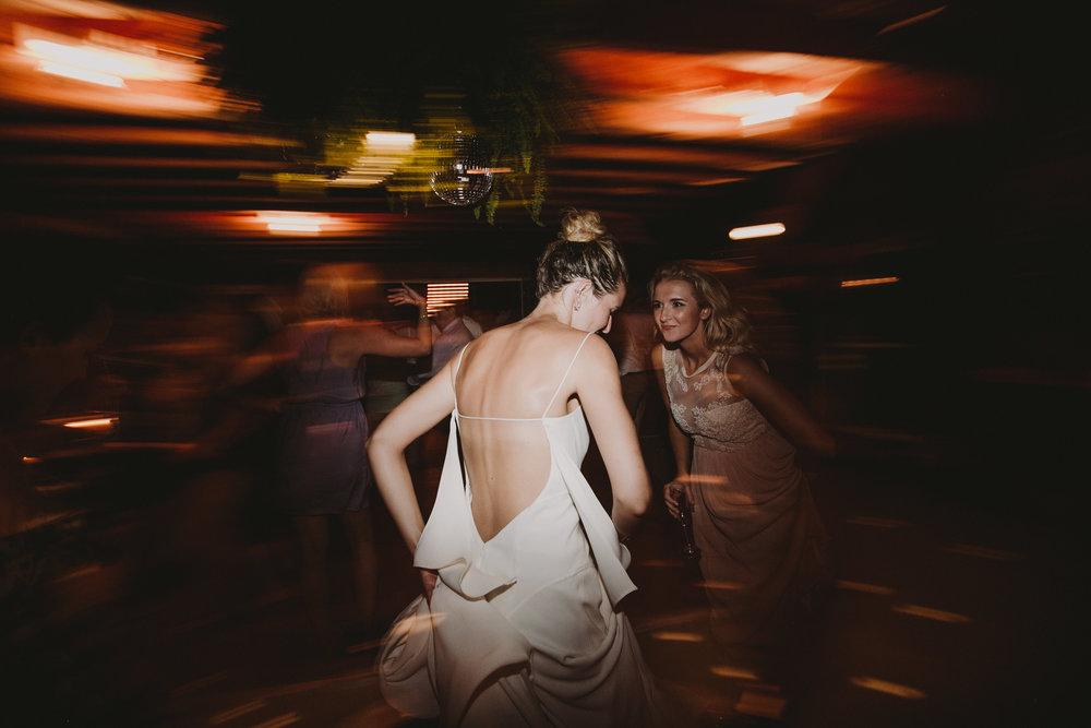 BLOCK_ISLAND_THE_CUSHAMAN_HOUSE__WEDDING_CHELLISE_MICHAEL_PHOTOGRAPHY690.JPG