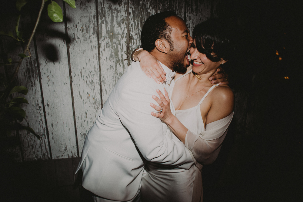 brooklyn nyc new york indie bohemian wedding photographer chellise michael photography backyard wedding