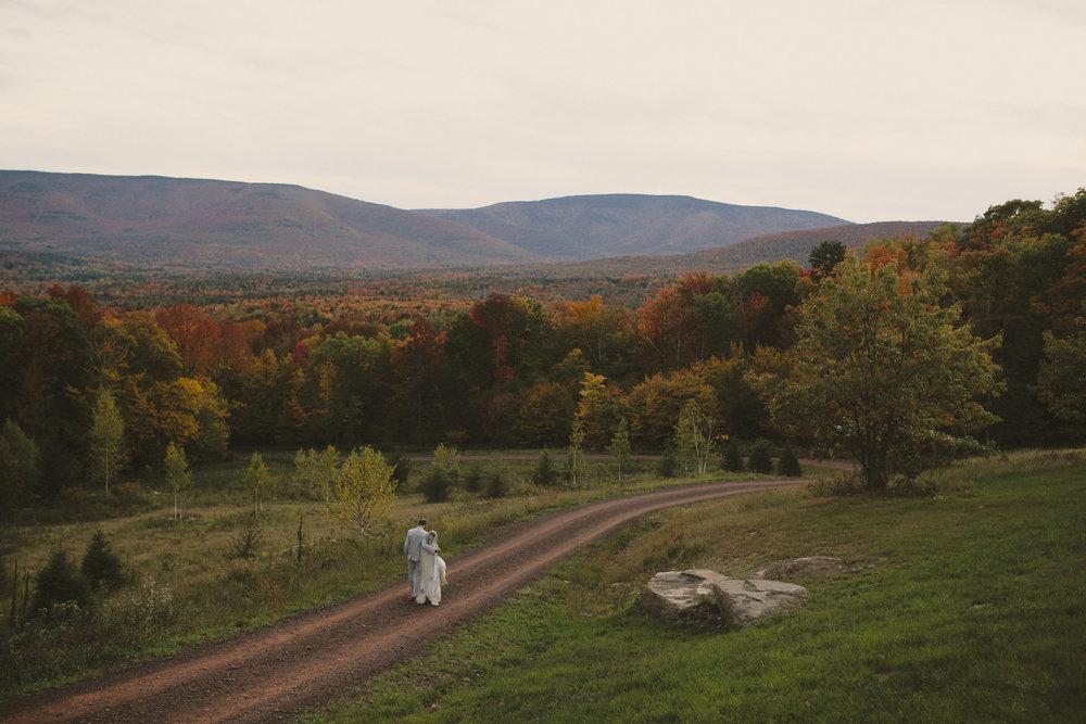 Deer_Mountain_Inn_Wedding_Chellise_Michael_Photography