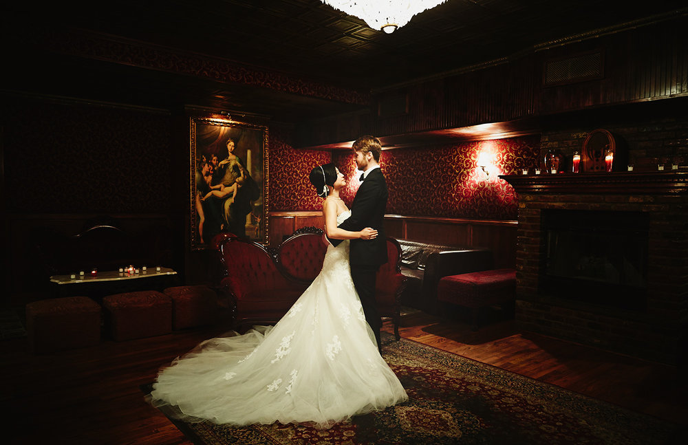 1510_A&JR_TheBackRoomBarWeddingNYC_By_BriJohnsonWeddings_0021.jpg
