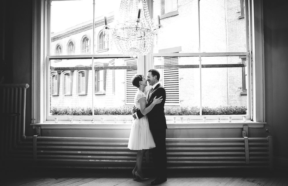 1510_N&P_TaralucciEVinoWedding_By_BriJohnsonWeddings_0007.jpg