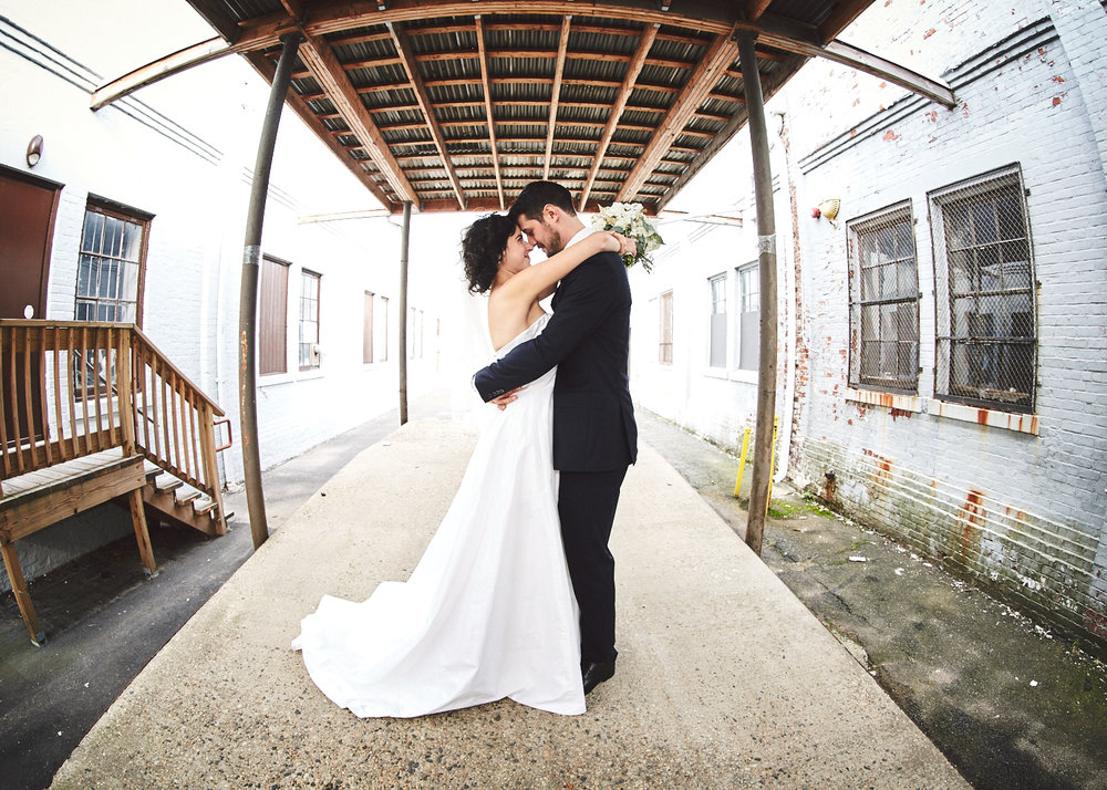 161029_TheLoadingDockWedding_CT_WeddingPhotography_By_BriJohnsonWeddings0019.jpg