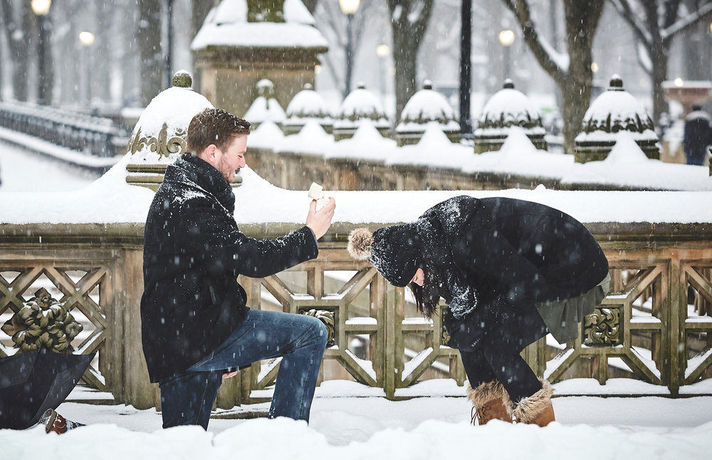 161217_SurpriseNYCProposal_CentralParkProposal_By_BriJohnsonWeddings_0029.jpg