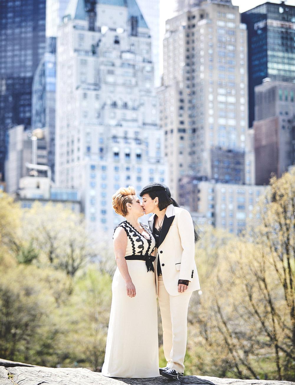 170423-SameSexWedding-GayWedding-LesbianWedding-CentralParkWedding-TheDanielWeddingPhotography_By_BriJohnsonWeddings_0029.jpg