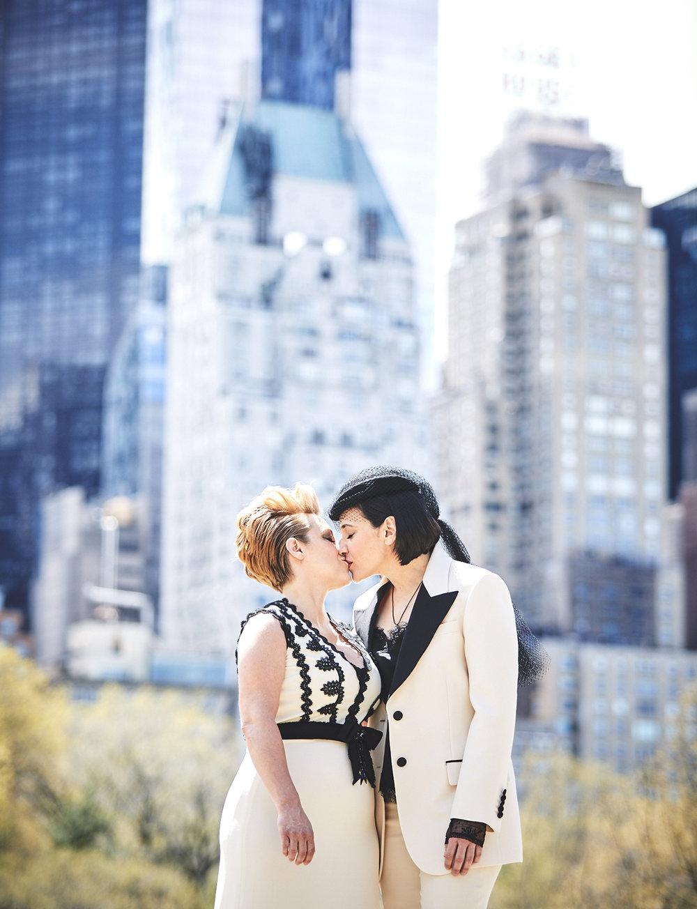 170423-SameSexWedding-GayWedding-LesbianWedding-CentralParkWedding-TheDanielWeddingPhotography_By_BriJohnsonWeddings_0030.jpg