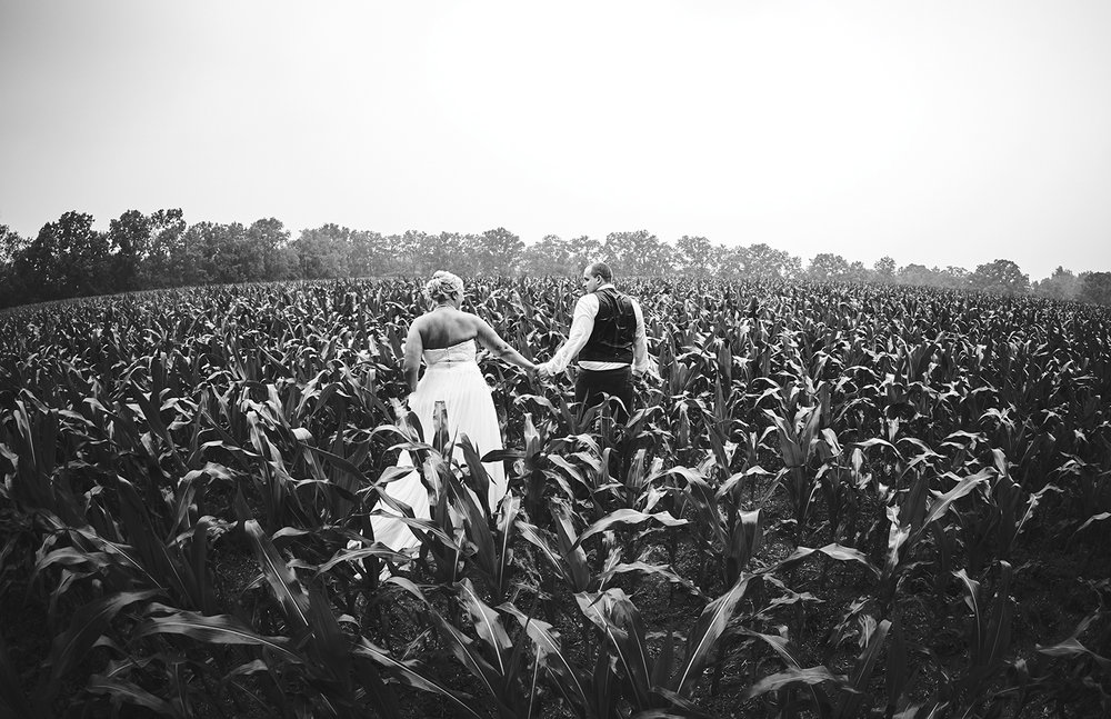 170722_Pennsylvania_RusticBackyardWedding_By_BriJohnsonWeddings_0001.jpg