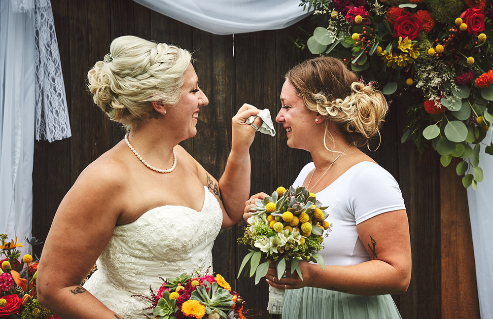 170722_Pennsylvania_RusticBackyardWedding_By_BriJohnsonWeddings_0033.jpg