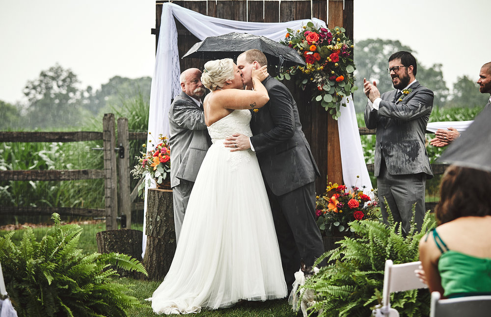 170722_Pennsylvania_RusticBackyardWedding_By_BriJohnsonWeddings_0055.jpg
