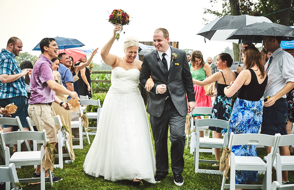 170722_Pennsylvania_RusticBackyardWedding_By_BriJohnsonWeddings_0057.jpg