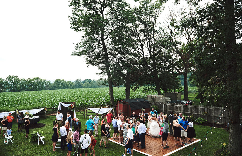170722_Pennsylvania_RusticBackyardWedding_By_BriJohnsonWeddings_0076.jpg