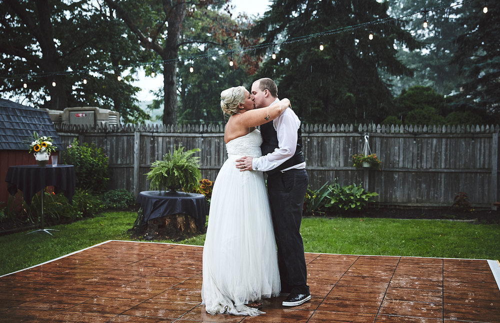 170722_Pennsylvania_RusticBackyardWedding_By_BriJohnsonWeddings_0083.jpg