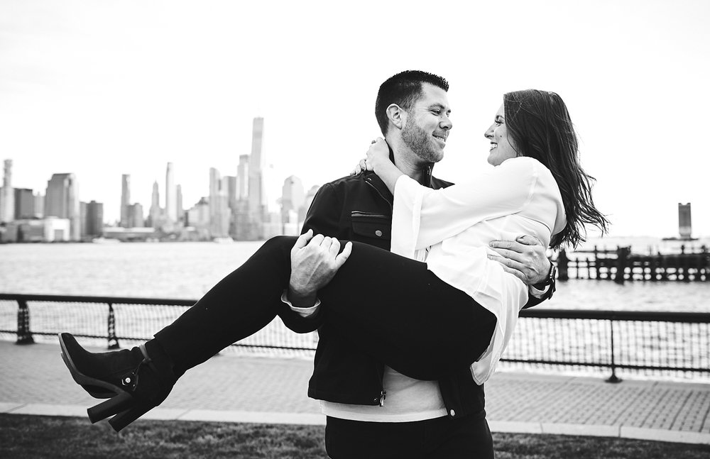 171101_HobokenEngagementPhotography_NYCEngagementPhotography_By_BriJohnsonWeddings_0015.jpg
