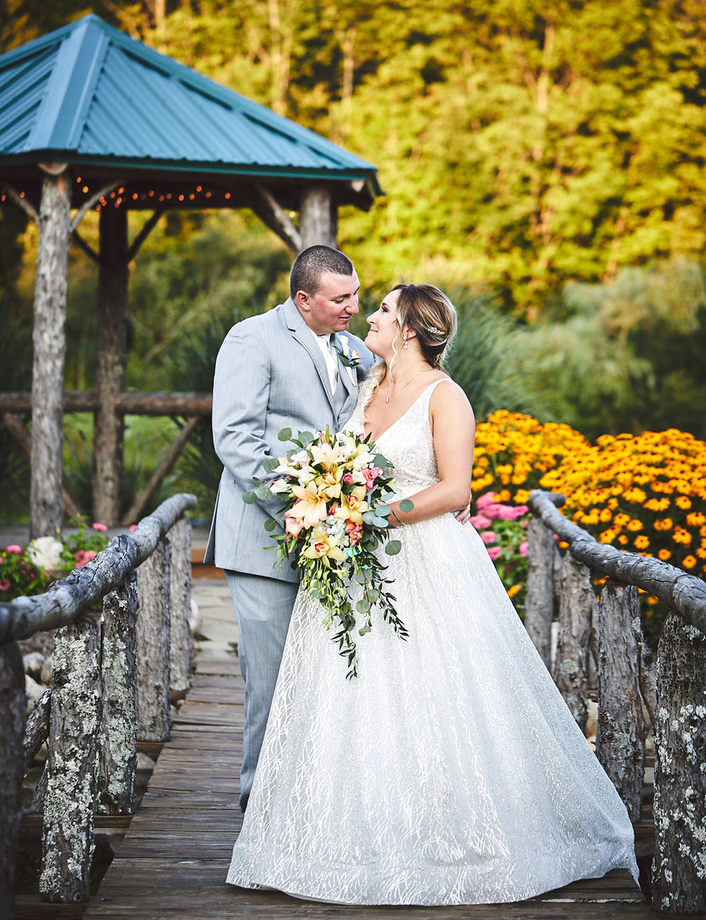 180811_RosebudEstatesWeddingPhotography_WesternNYWeddingPhotographer_By_BriJohnsonWeddings_0172.jpg