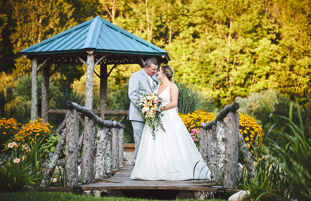 180811_RosebudEstatesWeddingPhotography_WesternNYWeddingPhotographer_By_BriJohnsonWeddings_0173.jpg