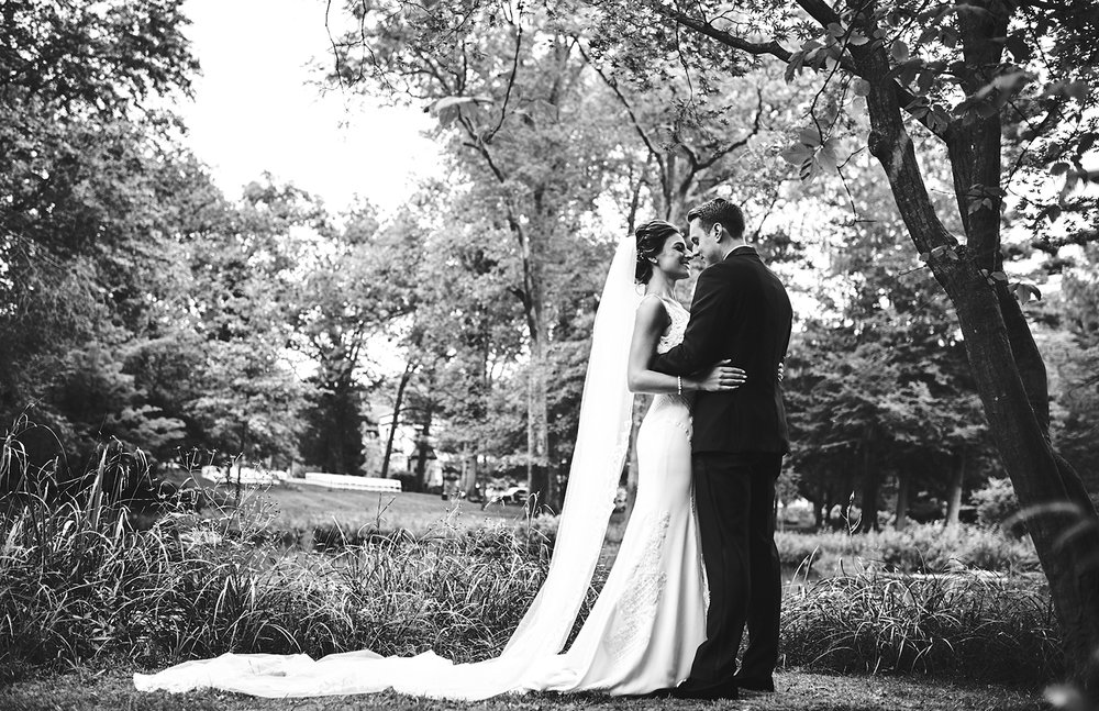 180921_PlesantdaleChateauWeddingPhotography_ModernNewJerseyWeddingPhotographer_By_BriJohnsonWeddings__0056.jpg