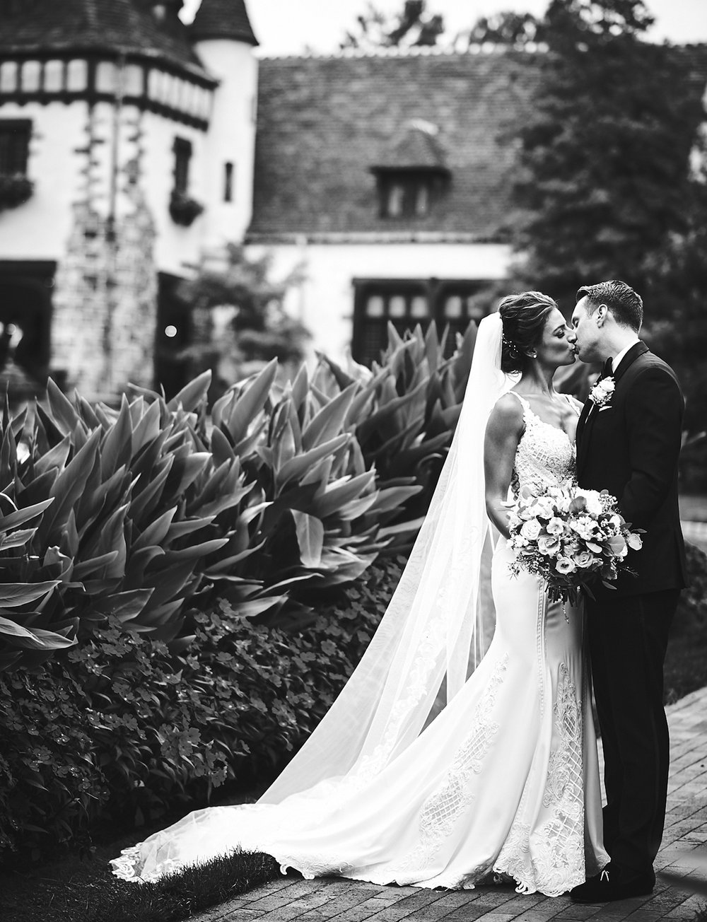 180921_PlesantdaleChateauWeddingPhotography_ModernNewJerseyWeddingPhotographer_By_BriJohnsonWeddings__0059.jpg